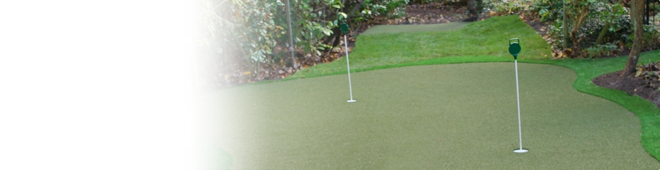 Golf putting green in de tuin